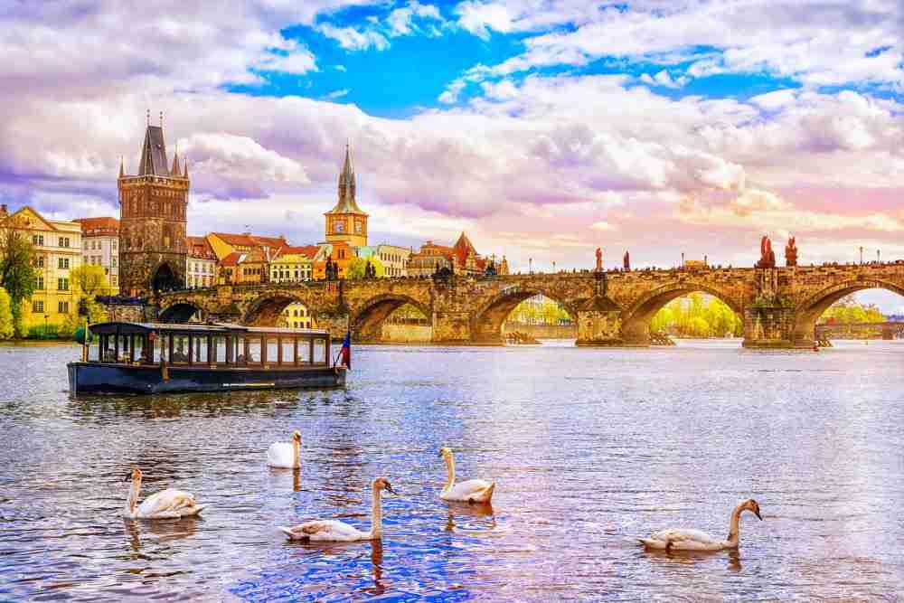 Bootsrundfahrten auf der Moldau, Prague, Czech Republic