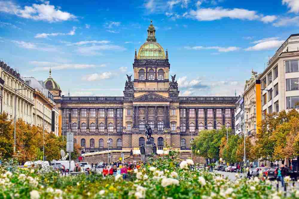 Nationalmuseum Richtung Wenzelsplatz, Prague, Czech Republic