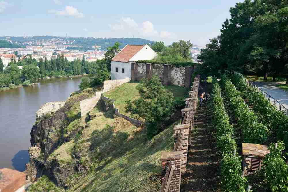 Wie komme ich nach Vysehrad in Prague