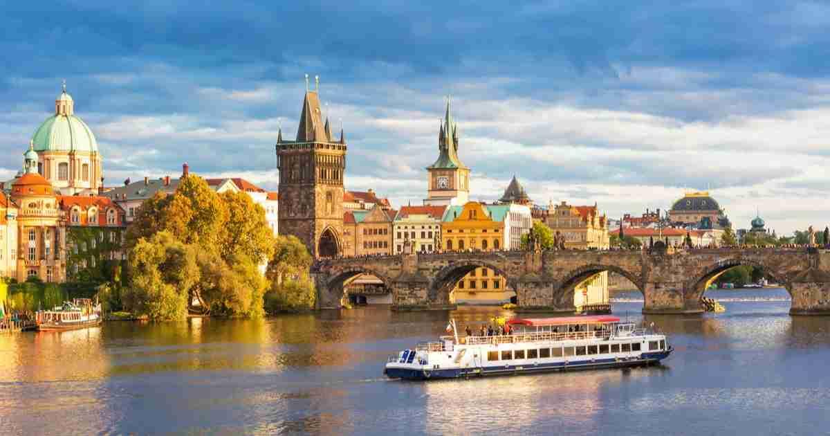 Reiseveranstalter, Airlines und Reisebüros, Prague